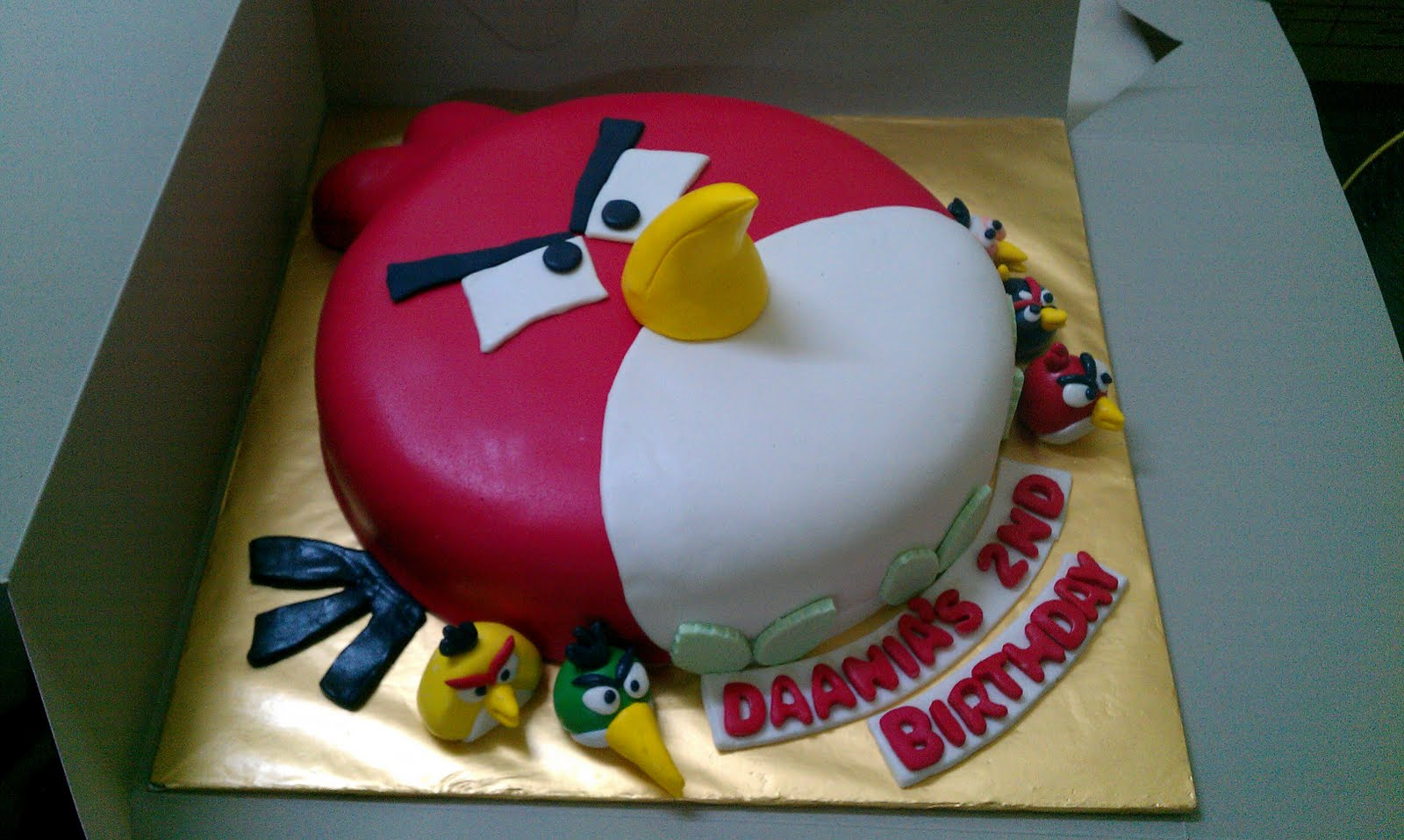 3d Cake Decorating Download : Zairie Homemade Delights: 3d Angry Birds Cake