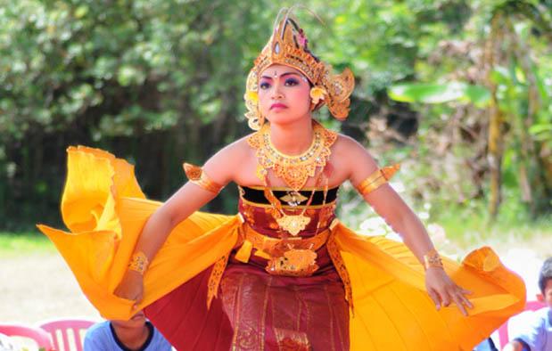 8. Tari Manuk Rawa, Bali