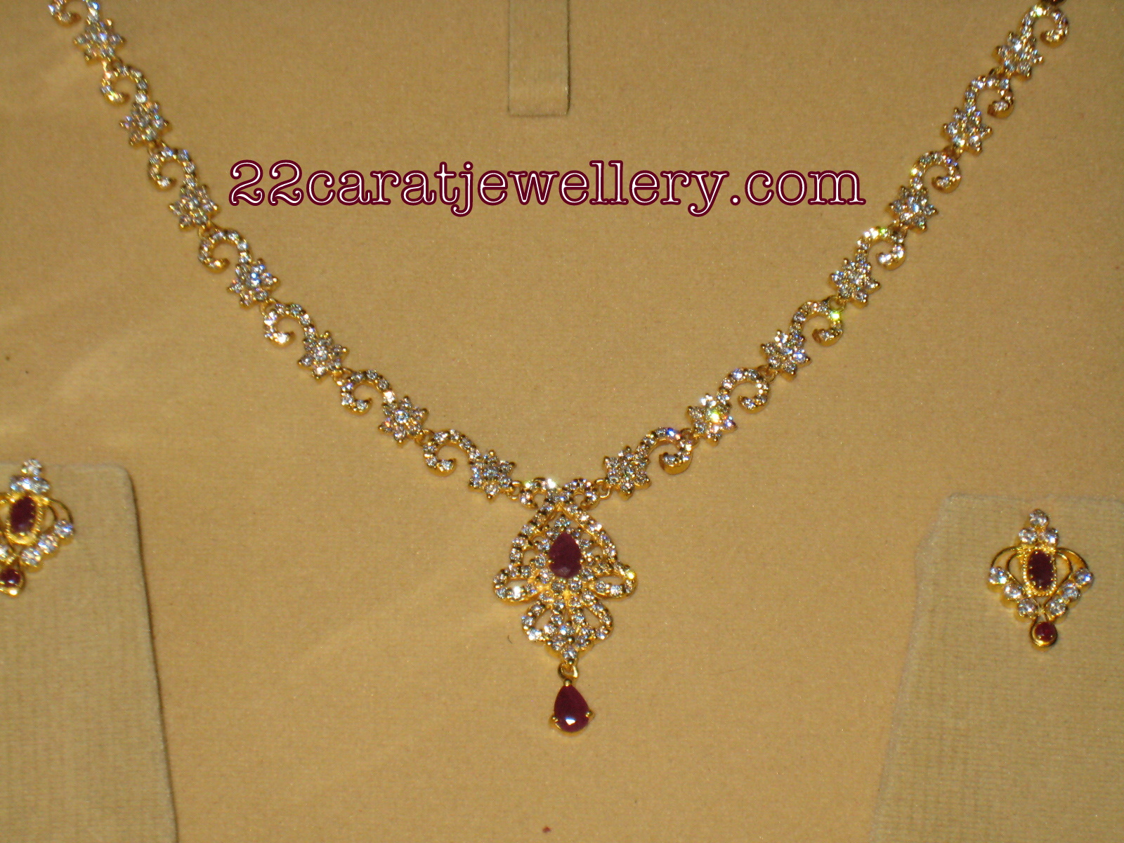 enameled l floral light leaf golden jewellers necklace trendy weight the gold grt necklaces oriana jewellery