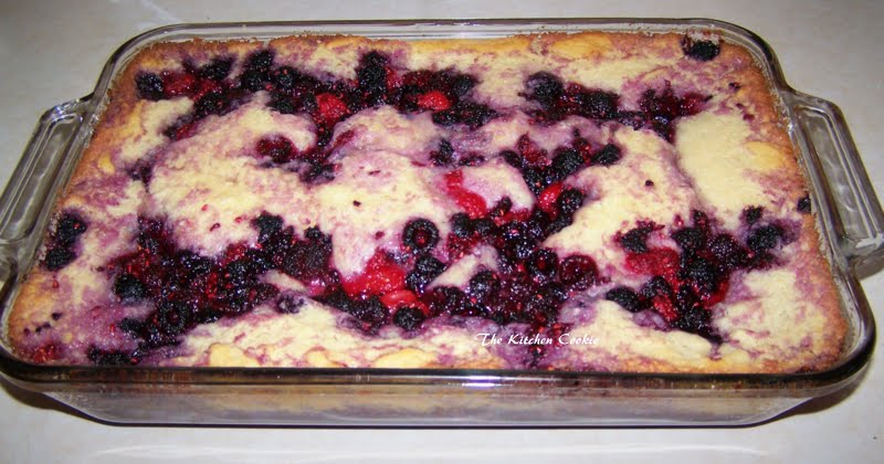 TheKitchenCookie: Berry Blessings and a Yummy Raspberry Cobbler
