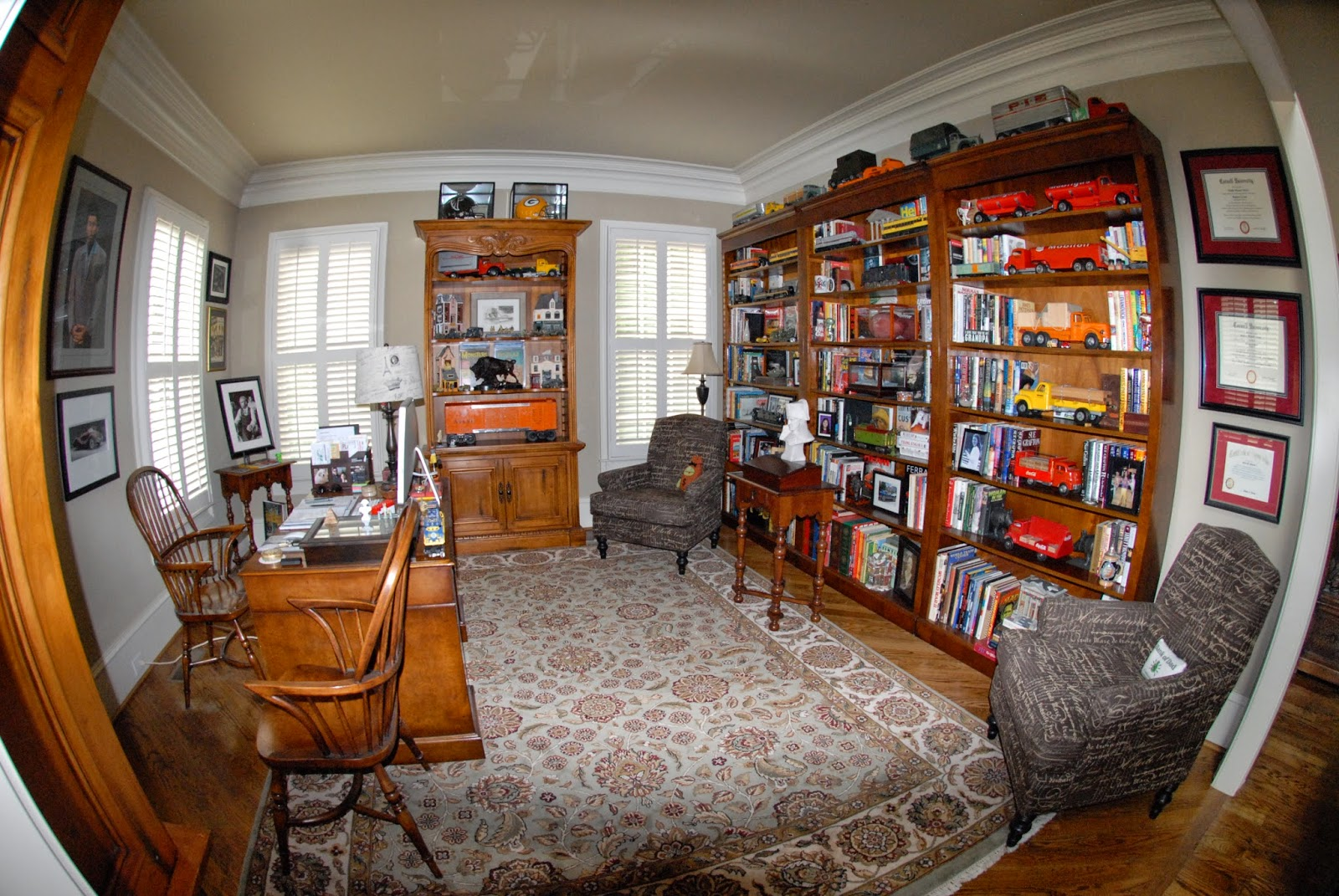 Man Cave Vs Study : Rue mouffetard quot the man cave boss style s
