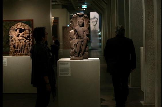 Manhattan art dealer suspected of smuggling