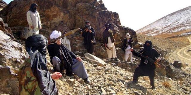Taliban Afganistan dan ISIS Bentrok, 27 Tewas