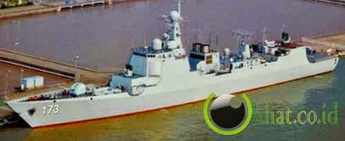 Luyang Class Type 052D