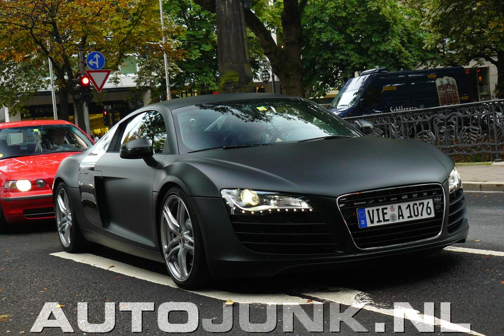 International Fast Cars: Audi r8 Black