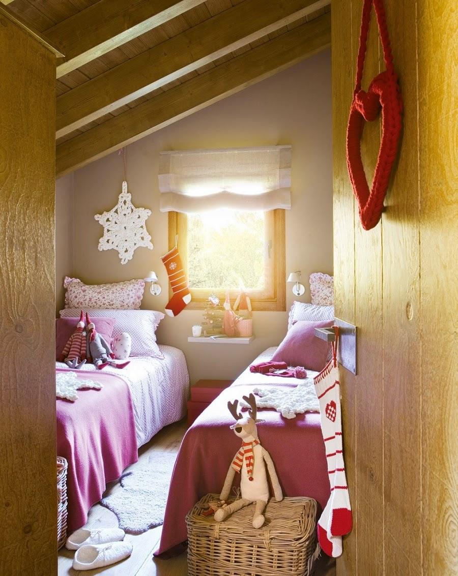 wnętrza, wystrój wnętrz, home decor, dekoracje świąteczne, christmas decor, Boże Narodzenie, Święta, choinka, dom, mieszkanie, domek w górach, pokój dziecięcy