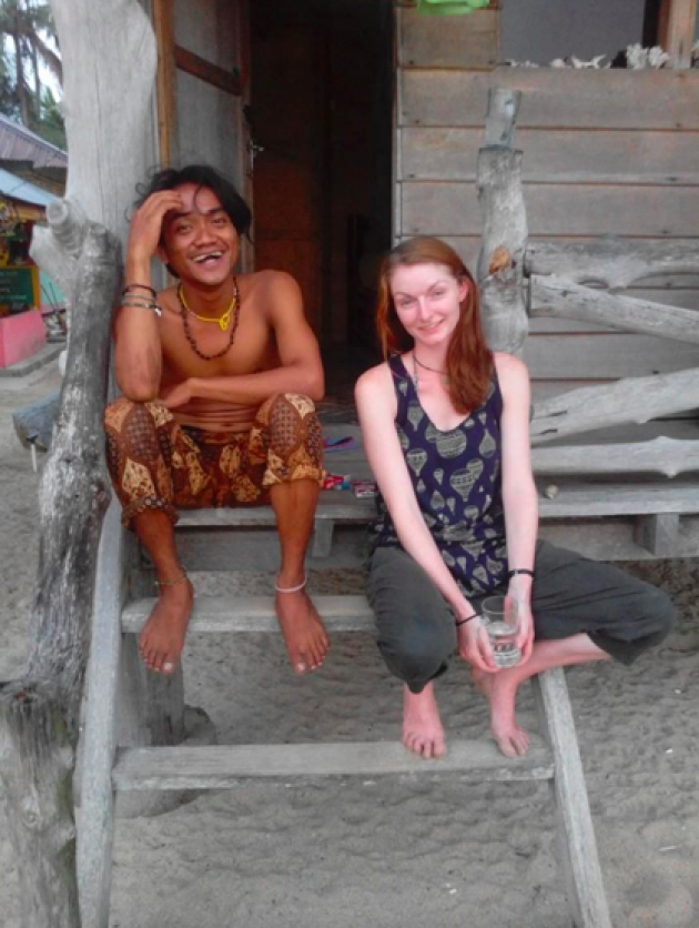 Wow!!, Pria Asal Padang Ini Bikin Heboh Setelah Nikahi Bule Cantik