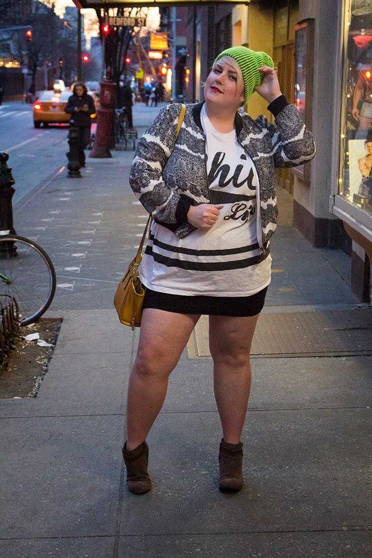 В коротких юбках толстые 146