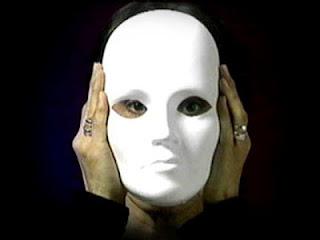 Máscara - Microrrelato - Sergio Cossa