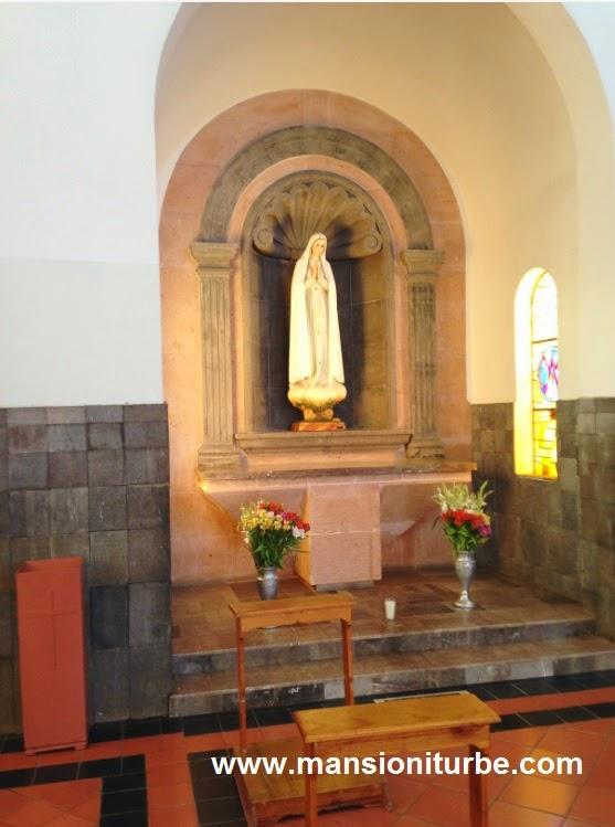 Imagen de la Virgen de Fátima en Tacámbaro, Michoacán.