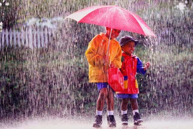 8 cara tetap menjaga kesehatan di musim hujan