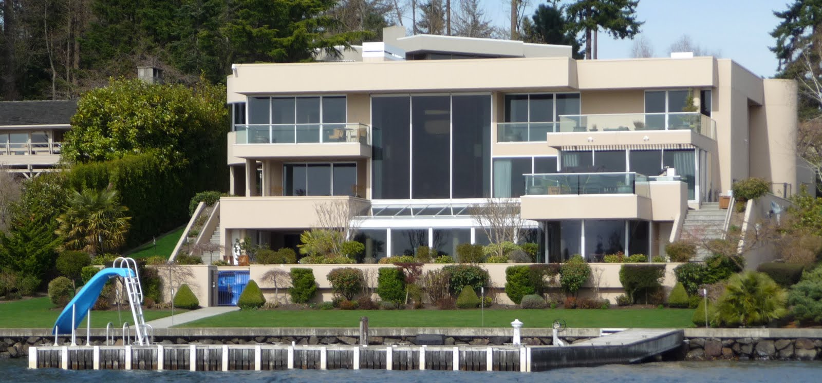 Seattle mansions richard dicerchio costco mansion for for Mansion estates for sale