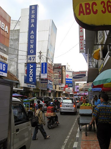 Berburu Barang Murah di Tempat Wisata Belanja di Jalan ABC Bandung