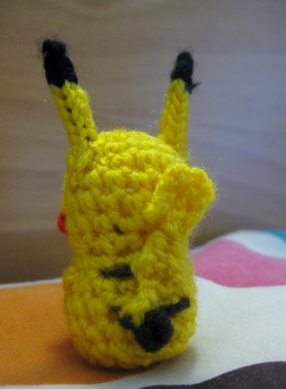 Crafty Mutt: How to make a tiny crochet pikachu tail