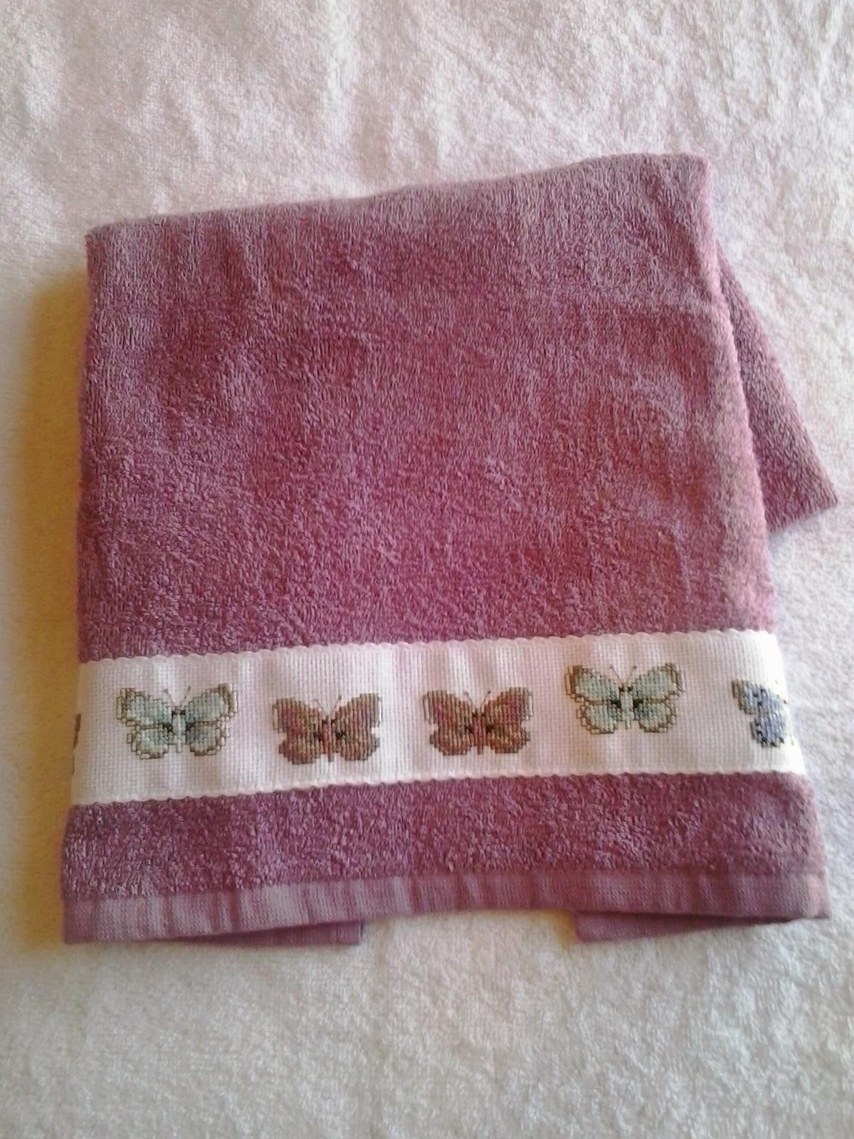 Angela y sus labores toalla decorada en punto de cruz - Cenefas punto de cruz para toallas de bano ...