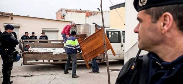 ΞΕΚΙΝΗΣΕ Η ΣΦΑΓΗ ΤΩΝ ΠΛΕΙΣΤΗΡΙAΣΜΩΝ: Έλληνες χάνουν τα σπίτια τους για μια… δόση! Κάποιοι ζουν ήδη τον εφιάλτη