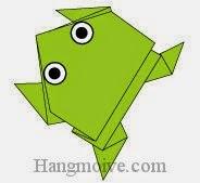 Bước 15: Vẽ mắt để hoàn thành cách xếp con ếch nhảy bằng giấy đơn giản