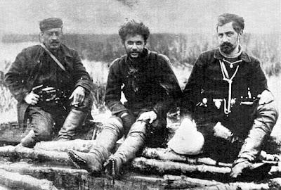 Σαν σήμερα το 1905 οι κομιτατζήδες κρέμασαν τον Τέλο Άγρα αφού προηγουμένως τον διαπόμπευσαν και τον βασάνισαν άγρια