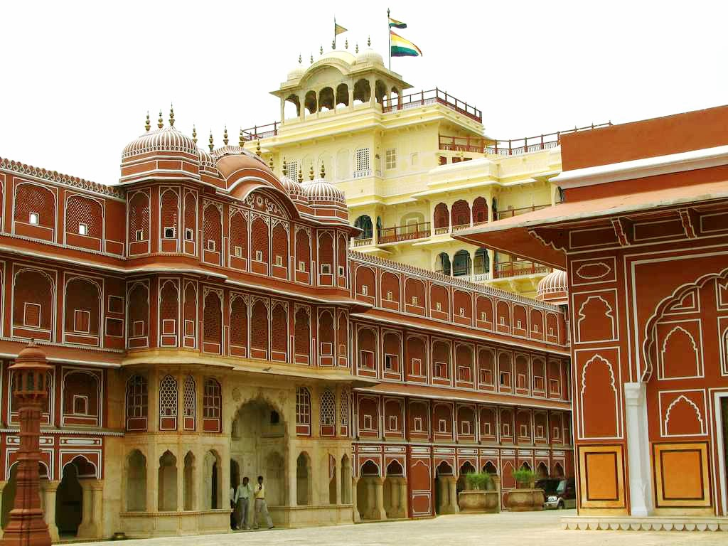 Hawamahal jaipur wallpapers tourist places in india for Wallpaper for home walls jaipur