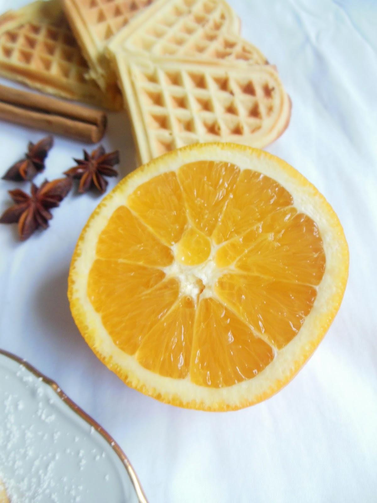 kulinarikus wintergenuss zimt orangen waffel mit schmandcr me. Black Bedroom Furniture Sets. Home Design Ideas