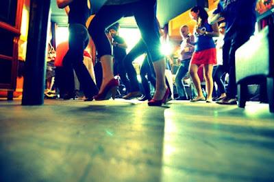 пловдив танцува уличен карнавал