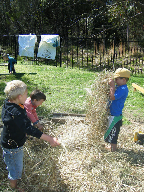 The meaning and origin of the expression: Make hay while the sun shines