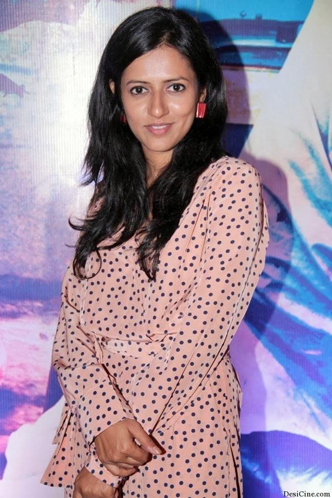 20+Hot+Female+Singers+Of+Bollywood006
