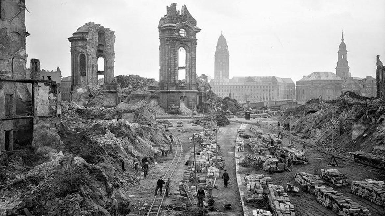 Monumentos destruidos en la 2a. Guerra Mundial; ¡Reconstruidos!   The  Screen México
