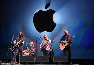 Peluncuran iPhone 5 Foo Fighter