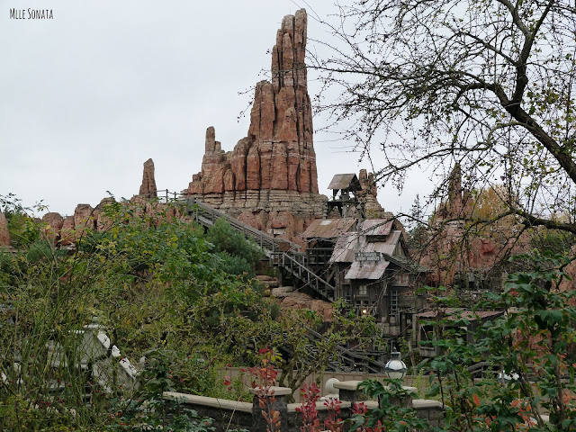 Le train de la mine à Disneyland Paris.