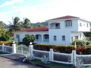 Modern homes designs jamaica for Jamaican home designs