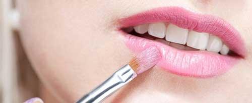 perfilar los labios en san valentin