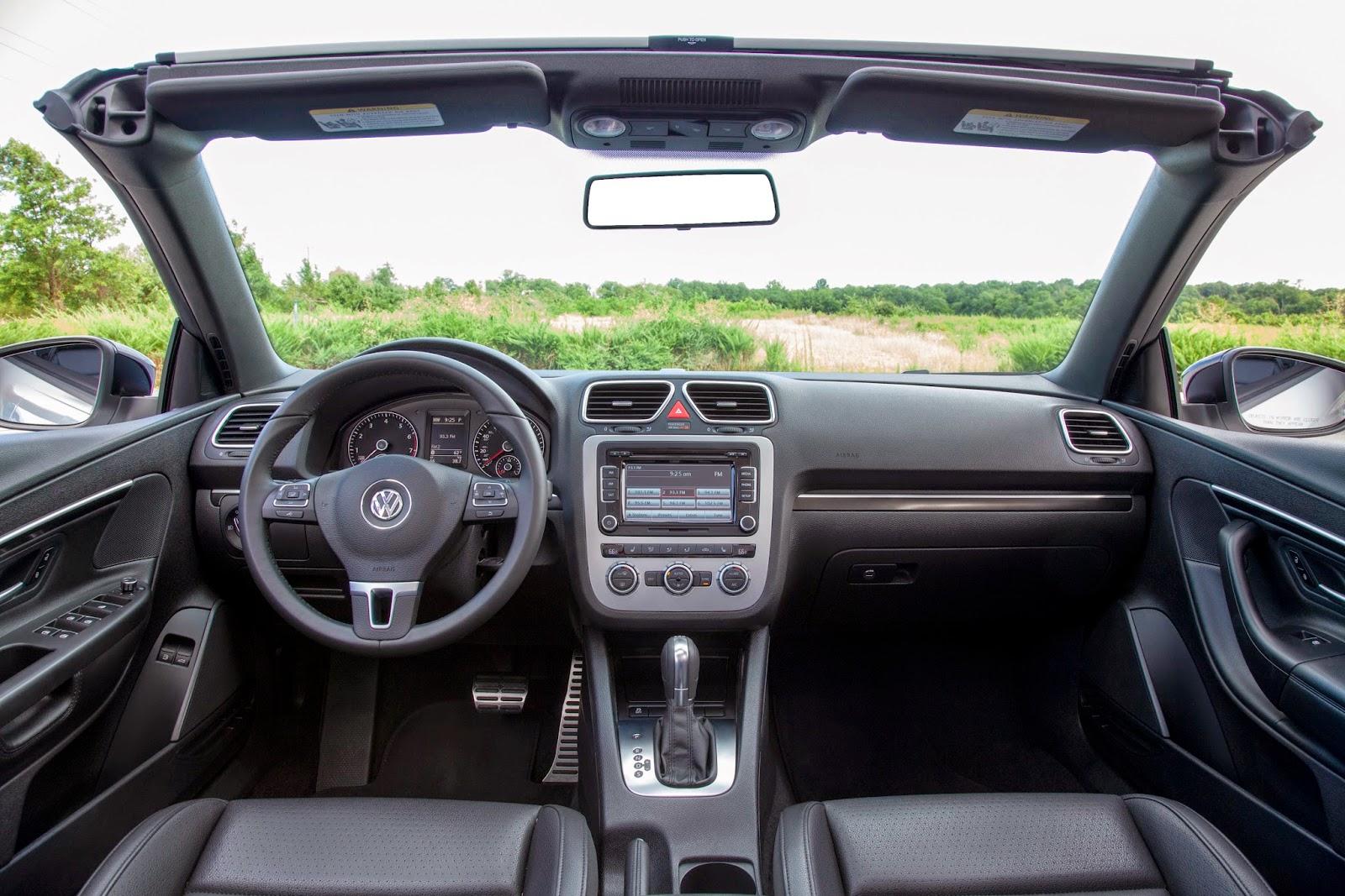 Interior view of 2014 Volkswagen Eos Sport