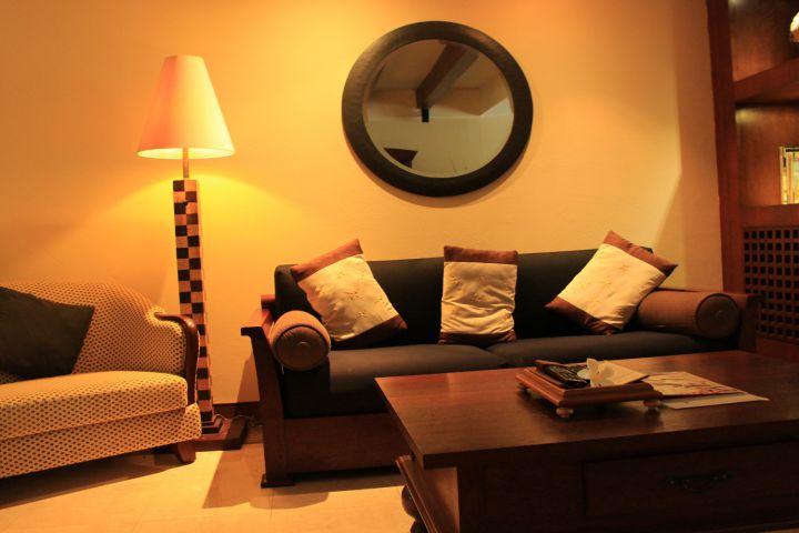 Ruang tamu Pool Villa Club Senggigi