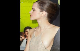 Payudara Emma Watson