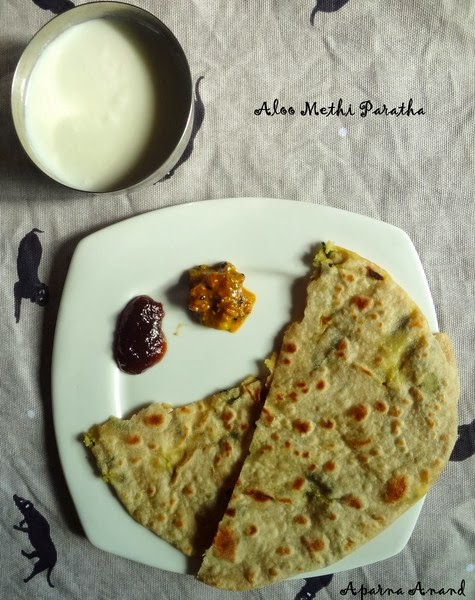 aloo methi paratha plating