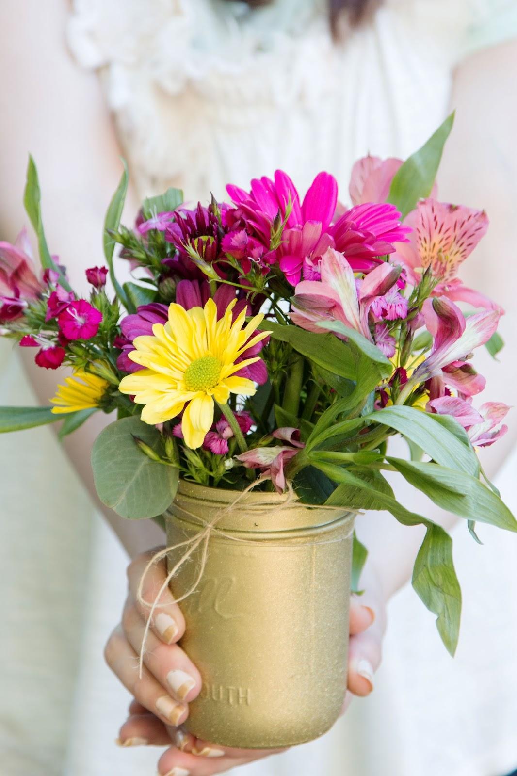 DIY Flower Arrangments and Gold Glitter Vases @craftsavvy @createoften #craftwarehouse #diy #vases #flowers #glamping