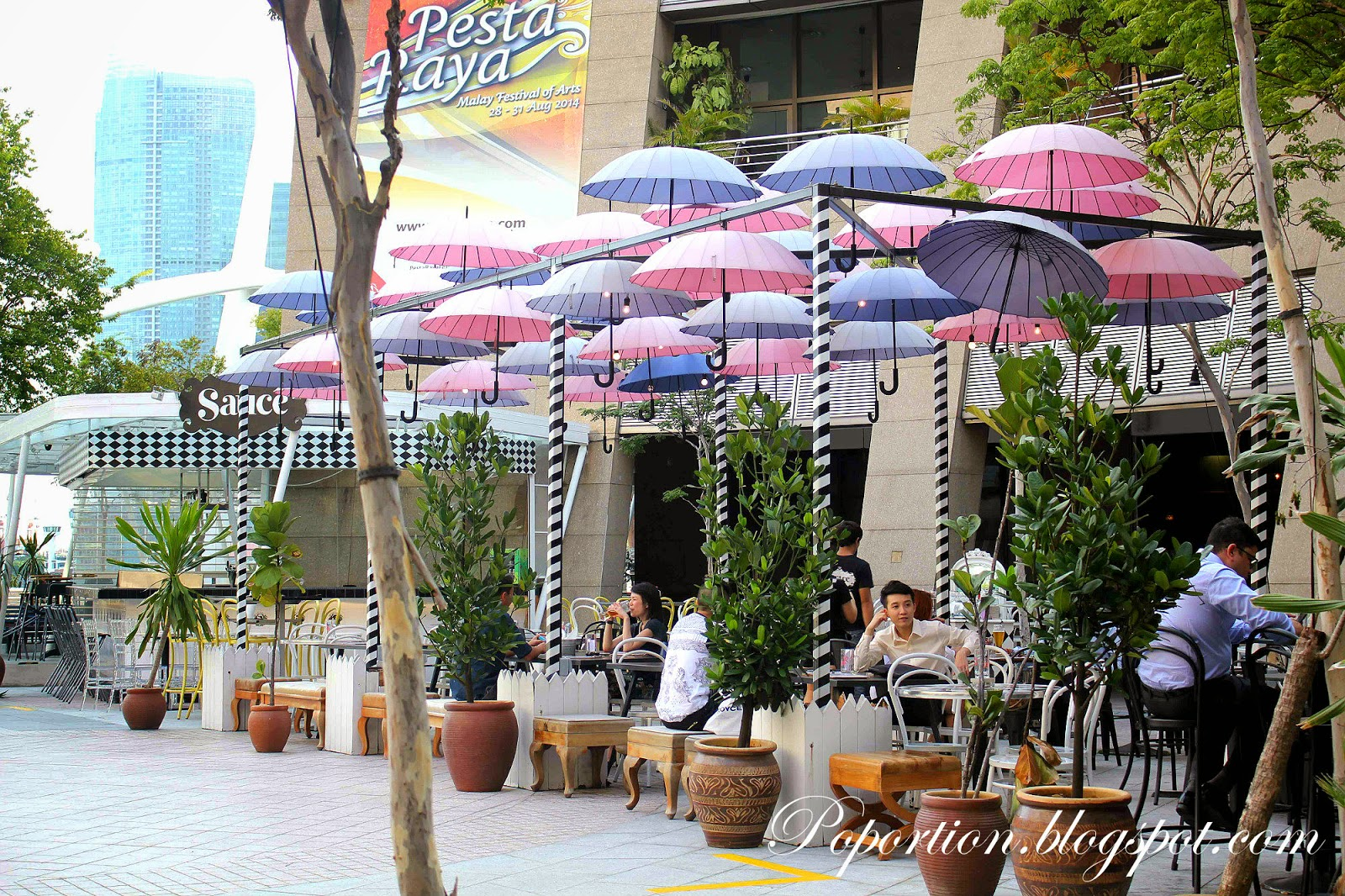 affordable bar pub esplanade