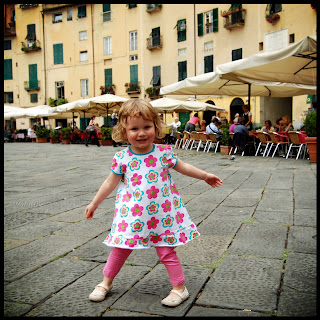 Mini Cheddar Dancing In The City Of Lucca