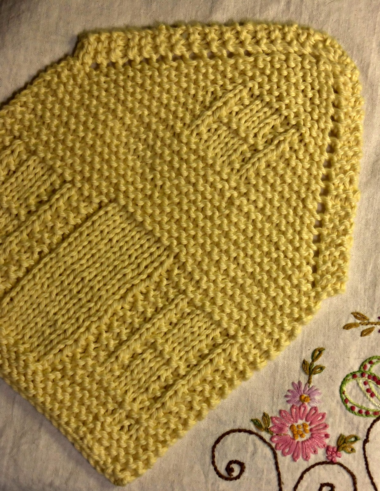golden bird knits: Nineteen Hundred House Dish Cloth