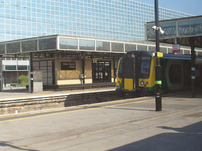 London Midland Class 350/2 Desiro at Milton Keynes Central Station