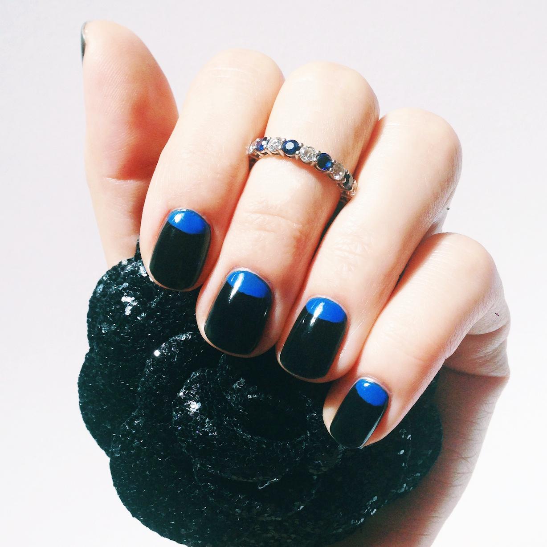 Черно синий лунный маникюр с лаками