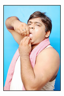 http://kumar01kundan.wix.com/indiancomedyactors#!indian-comedy-actors/zoom/mainPage/image6im