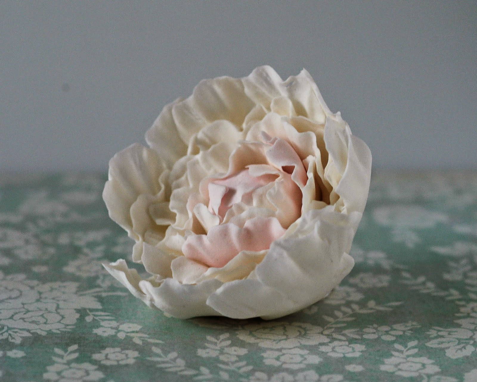 http://jule-backt.blogspot.de/2014/04/how-to-makepeony-pfingstrosen.html