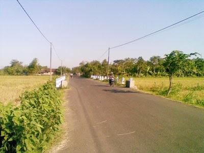 jalan menuju jembatan papar
