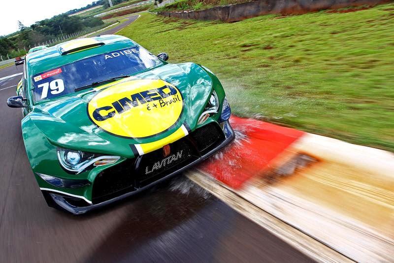 Carro da Voxx Racing no Brasileiro de Turismo