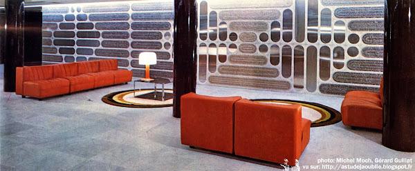 Paris 7ème - Ambassade d'Afrique du Sud  Architectes: Gérard Lambert, Jean Thierrart et Jean-Marie Garet.  Intégration: L'oeuf Centre d'Etudes, Jean Piantanida  Construction: 1974