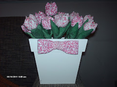 vaso com tulipas.