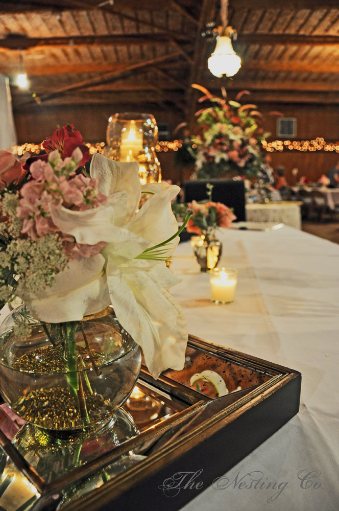 Golden Anniversary Table Decorations http://heidiclaire.blogspot.com/2012/07/a-golden-night-to-remember.html
