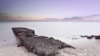 Playa de piedras paisaje